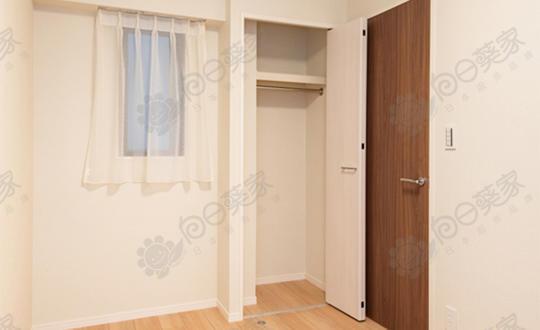 日本东京都新宿区下落合自住3居室公寓带庭院