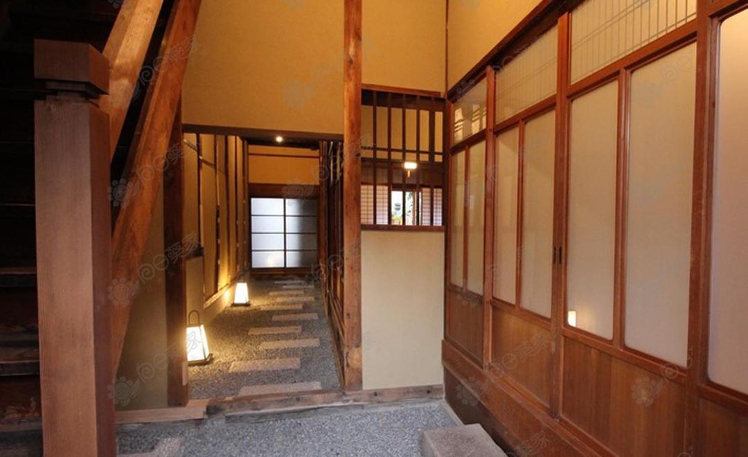 日本京都市左京区鸭川百年京町屋